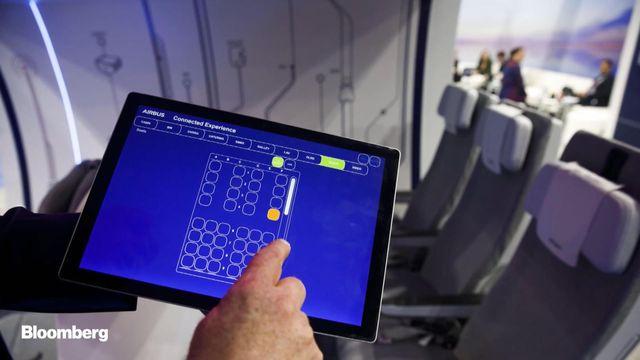 Nền tảng IoT mà Airbus đang sử dụng sẽ thu thập mọi dữ liệu về hành khách, bao gồm cả thói quen và tần suất sử dụng nhà vệ sinh. Ảnh: Bloomberg.