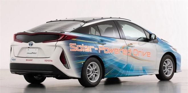 Toyota muốn chế tạo xe điện chạy bằng năng lượng mặt trời có thể hoạt động mãi mãi không cần dừng lại để sạc - Ảnh 4.