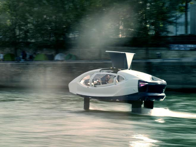 Thiết bị của Seabubble trong cuộc thử nghiệm trên sông. Ảnh: Seabubble.