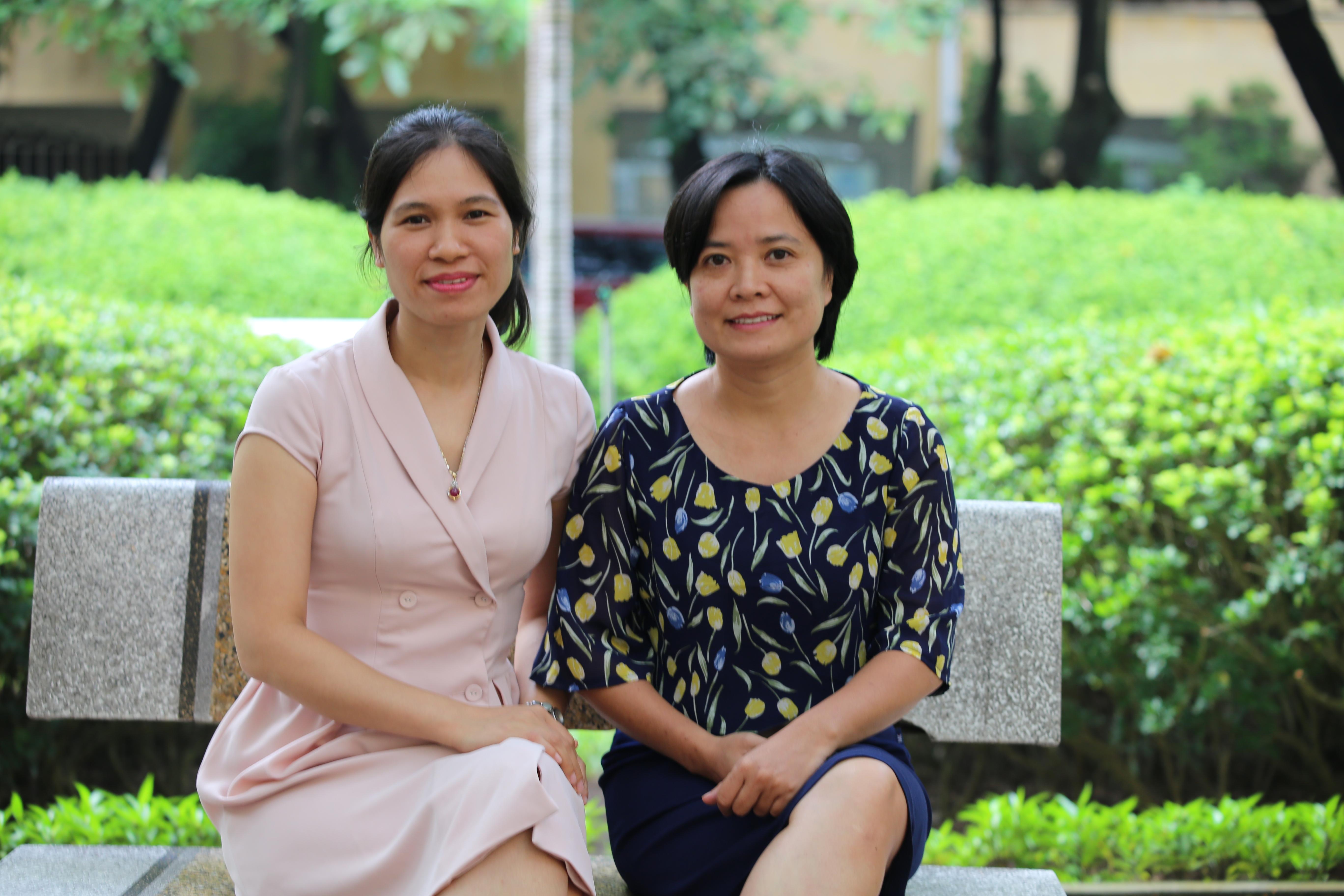 Chủ nhiệm đề tài TS. Hoàng Thị Thu Hương (trái) và thư ký đề tài TS. Vũ Kim Chi (phải). Ảnh: KH&PT