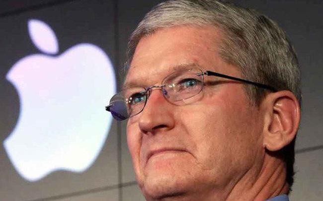 Microsoft dưới thời ông Satya Nadella đang thay thế Apple trở thành biểu tượng cho sự sáng tạo và đột phá, đó là điều ông Tim Cook cần học hỏi từ đối thủ của mình. Ảnh: cafef.vn