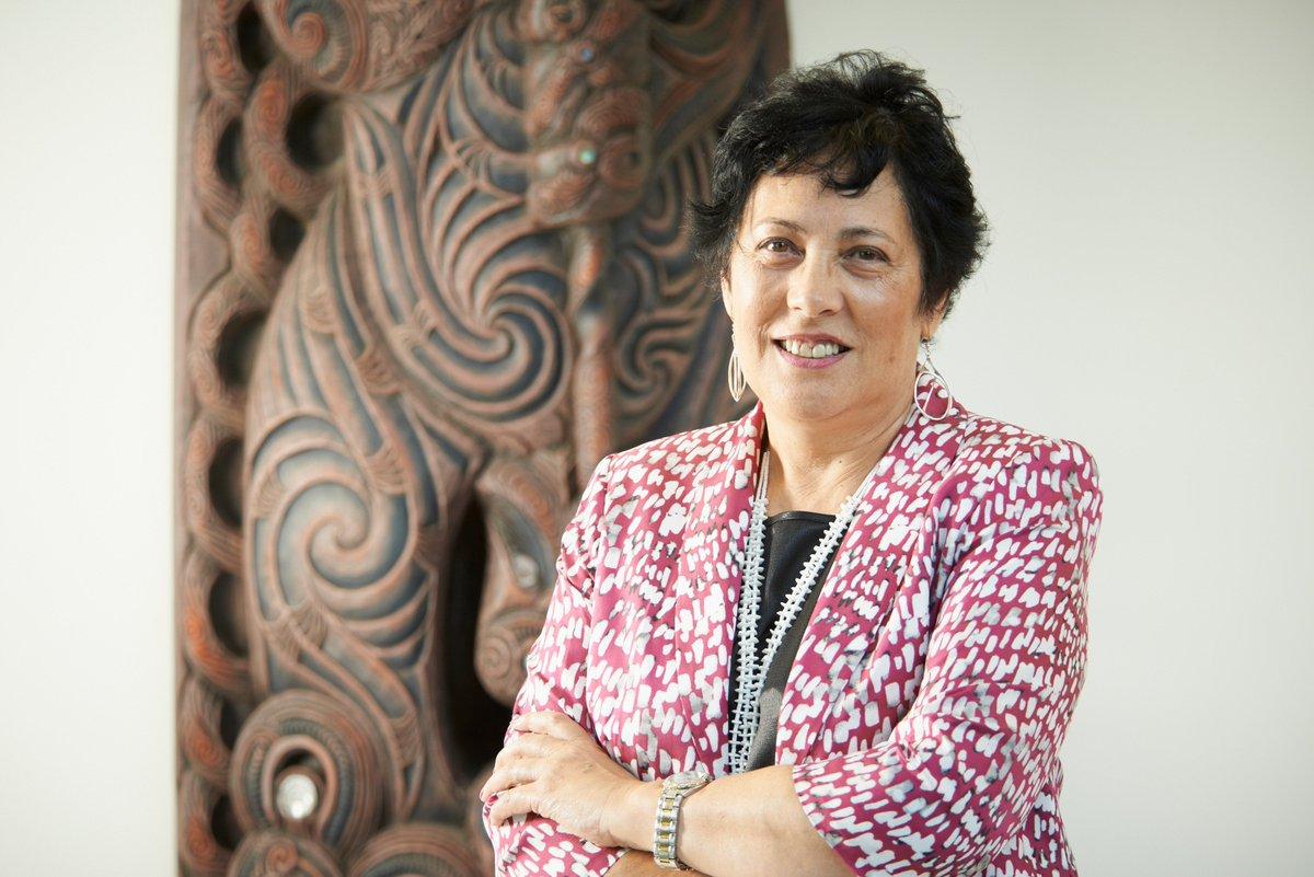 Nhà nhân chủng và giáo dục Linda Tuhiwai Te Rina Smith (1950)