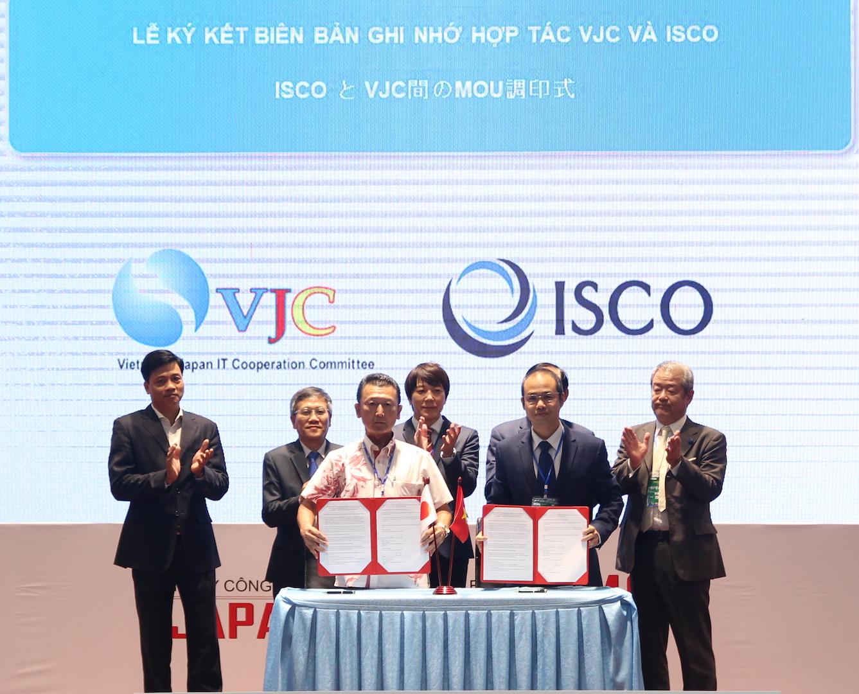 Ký kết biên bản ghi nhớ hợp tác giữa VJC với ISCO. Ảnh: VGP