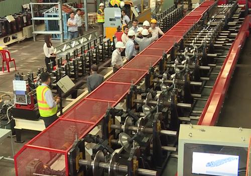 Tổ chuyên gia của Bộ KH&CN nghiệm thu dây chuyền Sigma trong hệ thống sản xuất cấu kiện nhà công nghiệp | Nguồn: VNE