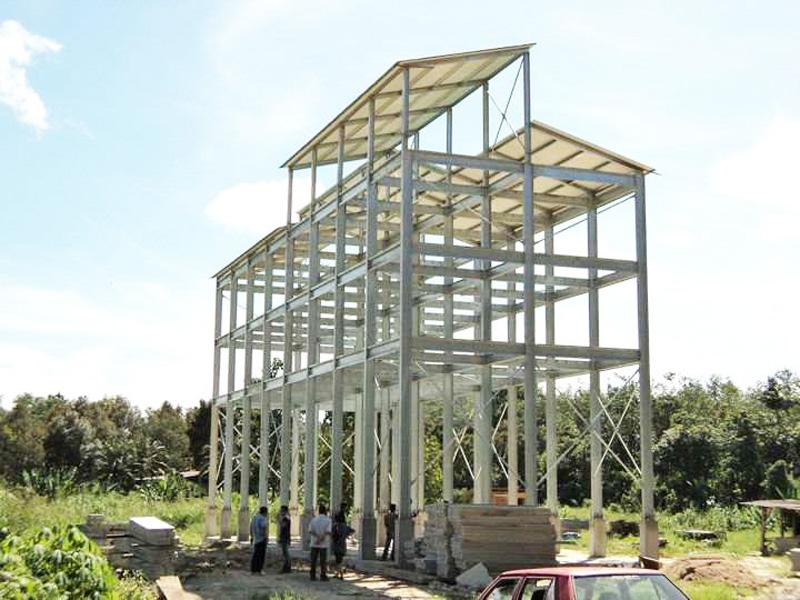 Khung nhà thép nhẹ tiền chế nhiều tầng của Công ty TNHH Máy và sản phẩm Thép Việt, Hồ Chí Minh | Nguồn: KHPT