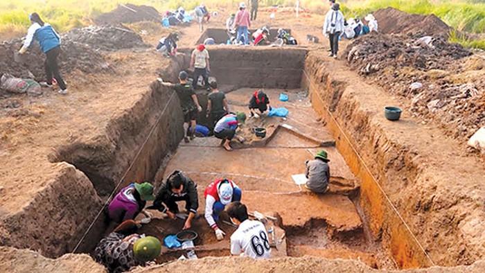 Quá trình khai quật di tích Vườn Chuối đã trải qua nhiều đợt