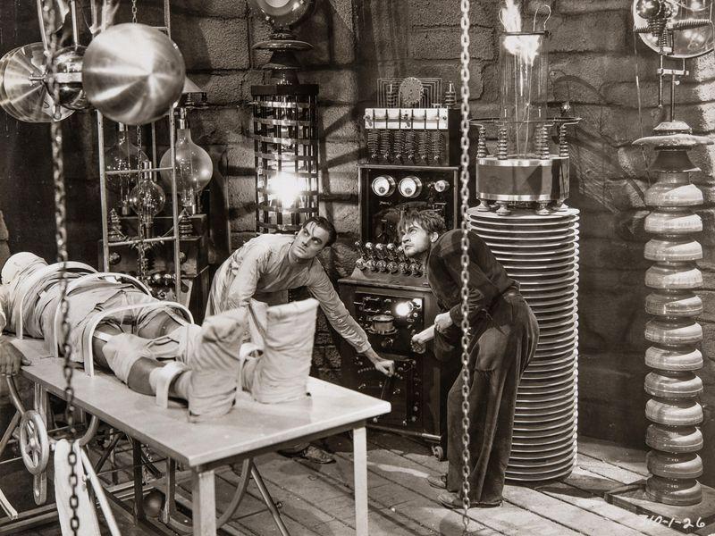 Phòng thí nghiệm nơi con quái vật của Frankenstein ra đời trong bộ phim phát hành năm 1931. Ảnh: Universal Studios Licensing LLC.