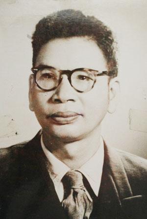Giáo sư Trần Huy Liệu