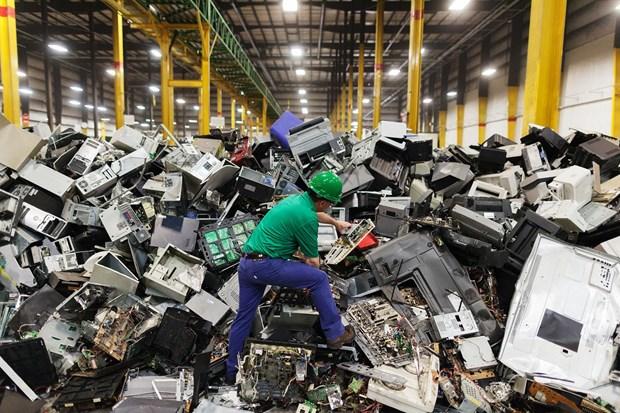 Rác thải điện tử đòi hỏi quy trình tái chế phức tạp | Ảnh: National Geographic