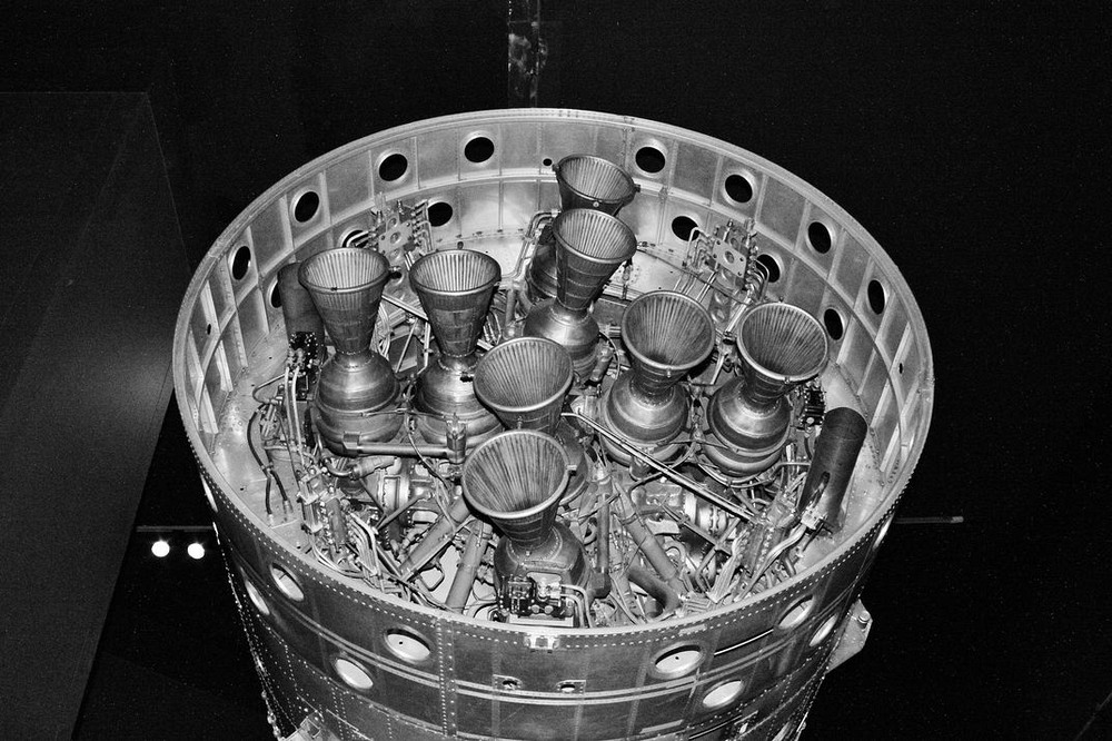 Ống phụt khí bên trong động cơ Gamma của Black Arrow, tại Bảo tàng Khoa học London. Ảnh: Royal Aircraft Establishment.