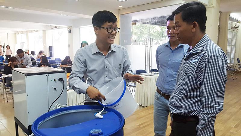TS Nguyễn Hữu Quyết giới