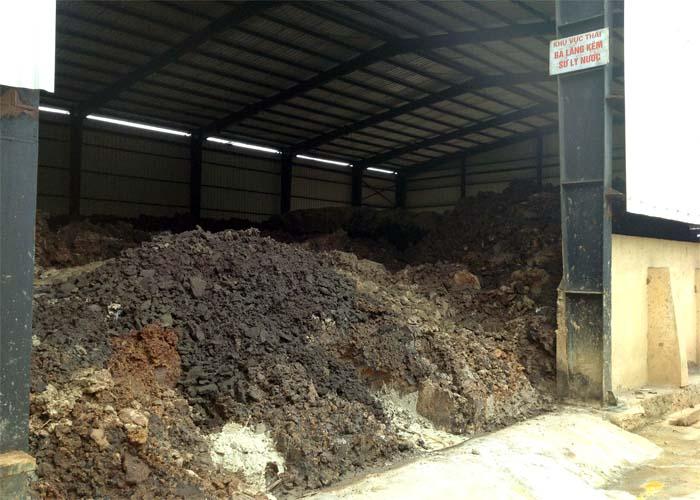 Phế thải từ quá trình điện phân tinh luyện kẽm của Nhà máy kẽm điện phân Thái Nguyên. Ảnh: thuonghieucongluan.com