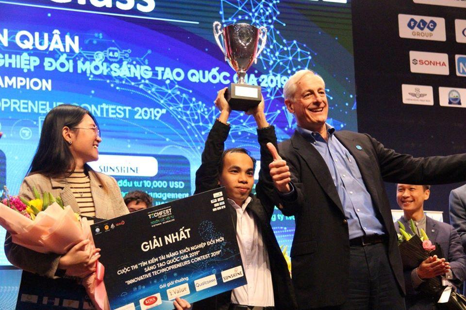 MultiGlass đạt giải nhất Techfest Vietnam 2019 | Ảnh: Techfest