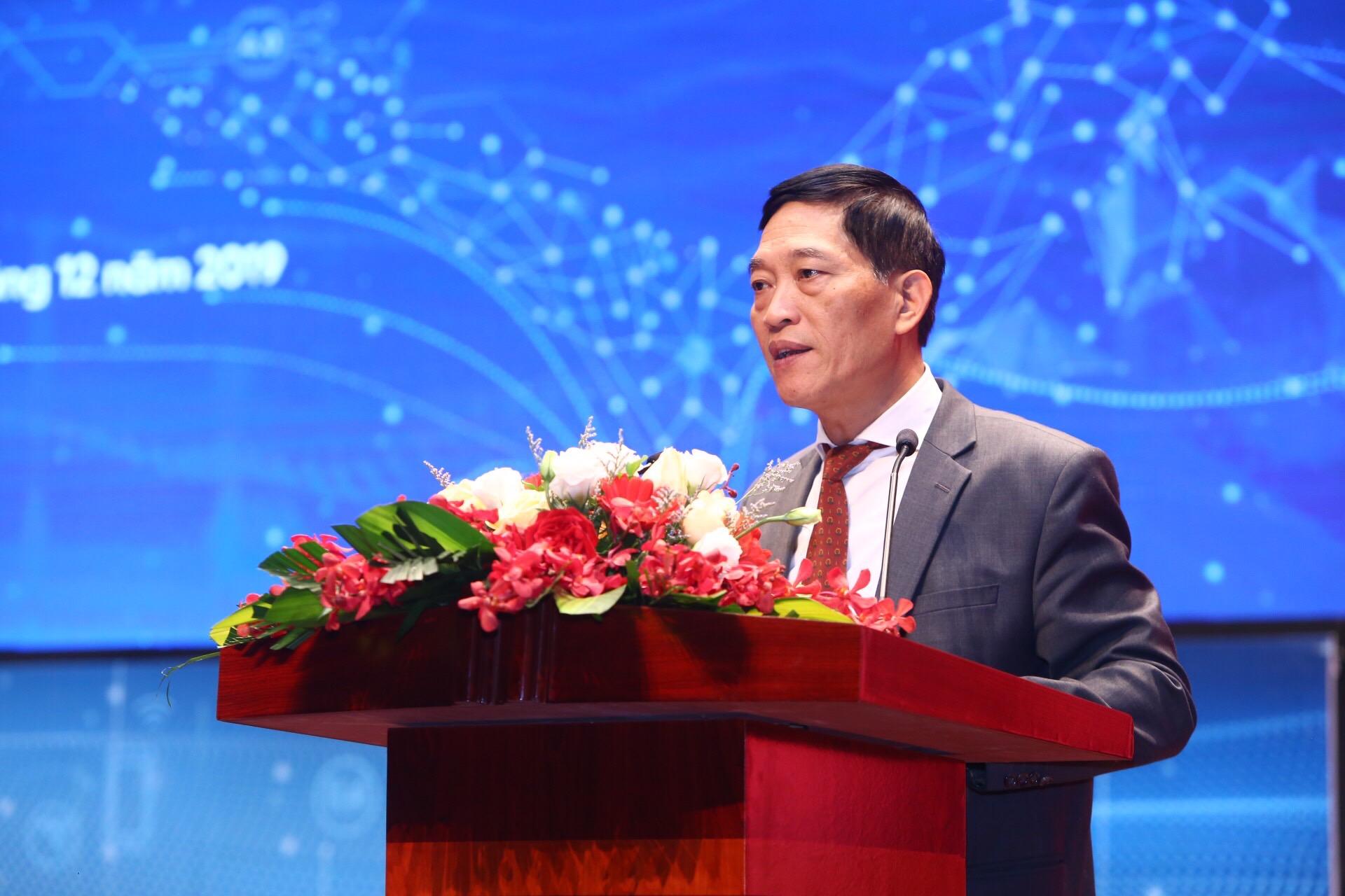 Thứ trưởng Bộ Khoa học và Công nghệ Trần Văn Tùng phát biểu tại lễ bế mạc