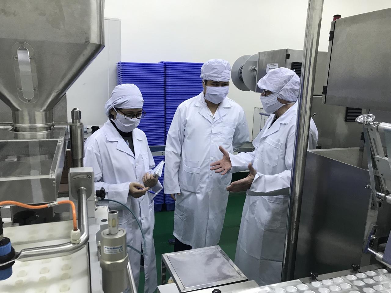 Các nhà khoa học của Sao Thái Dương trao đổi về nghiên cứu thuốc