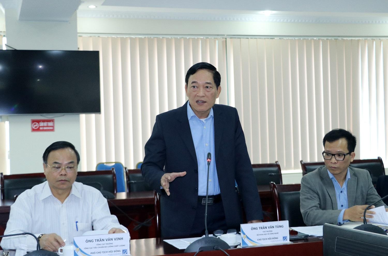 Thứ trưởng Trần Văn Tùng phát biểu tại Phiên họp.