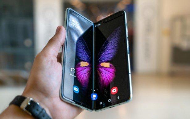 Công nghệ điện thoại màn hình gập của Samsung chưa sẵn sàng ra thị trường