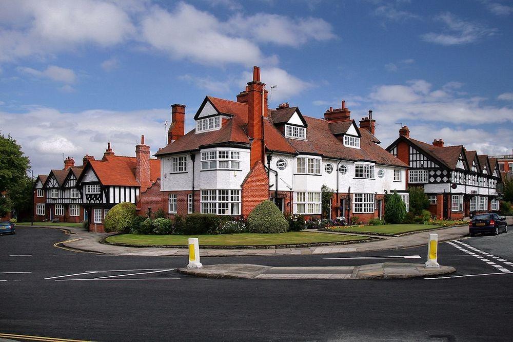 Những ngôi nhà ở Port Sunlight, một ngôi làng kiểu mẫu tiêu biểu được xây dựng trong thời công nghiệp hóa ở nước Anh. Ảnh: Jorge Franganillo/Flickr.