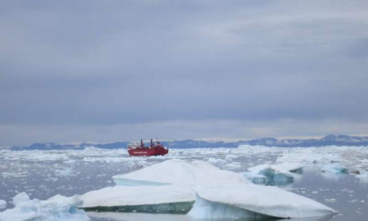 Băng tan ở Bắc Cực - Ảnh: Kevin Krajick/Earth Institute