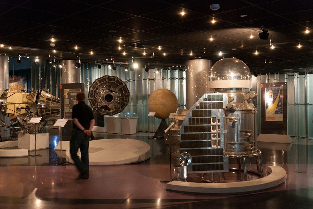 Bên trong Bảo tàng Du hành vũ trụ. Ảnh: Flickr.