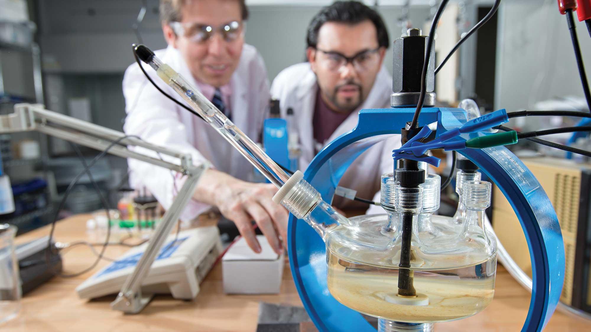 Nhà khoa học có thể chủ động định hình công việc của mình xoay quanh quy trình chính sách | Nguồn: TAMU