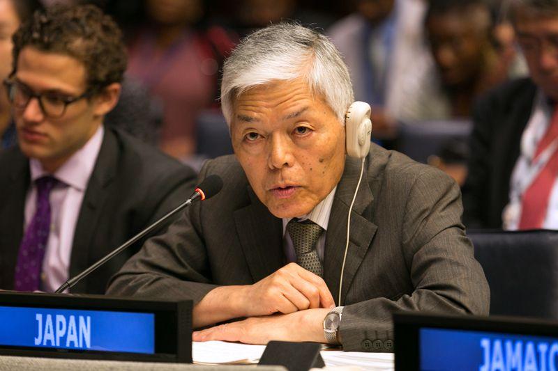 Chuyên gia 'kép' về chính sách và khoa học Tateo Arimoto thường xuyên sử dụng kiến thức khoa học để giải quyết các vấn đề xã hội. | Nguồn: IISD