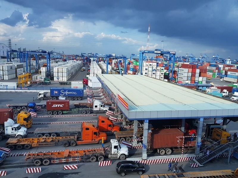 Để tăng tính cạnh tranh thương mại, Việt Nam cần xây dựng cơ sở hạ tầng giao thông trên quan điểm về logistic
