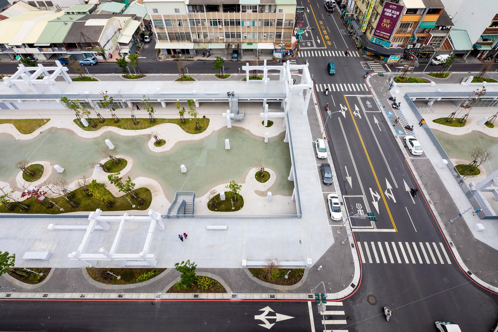 Toàn cảnh khu phố thương mại cũ sau khi được quy hoạch lại, mang đến sức sống mới cho thành phố Đài Nam. Ảnh: MVRDV.