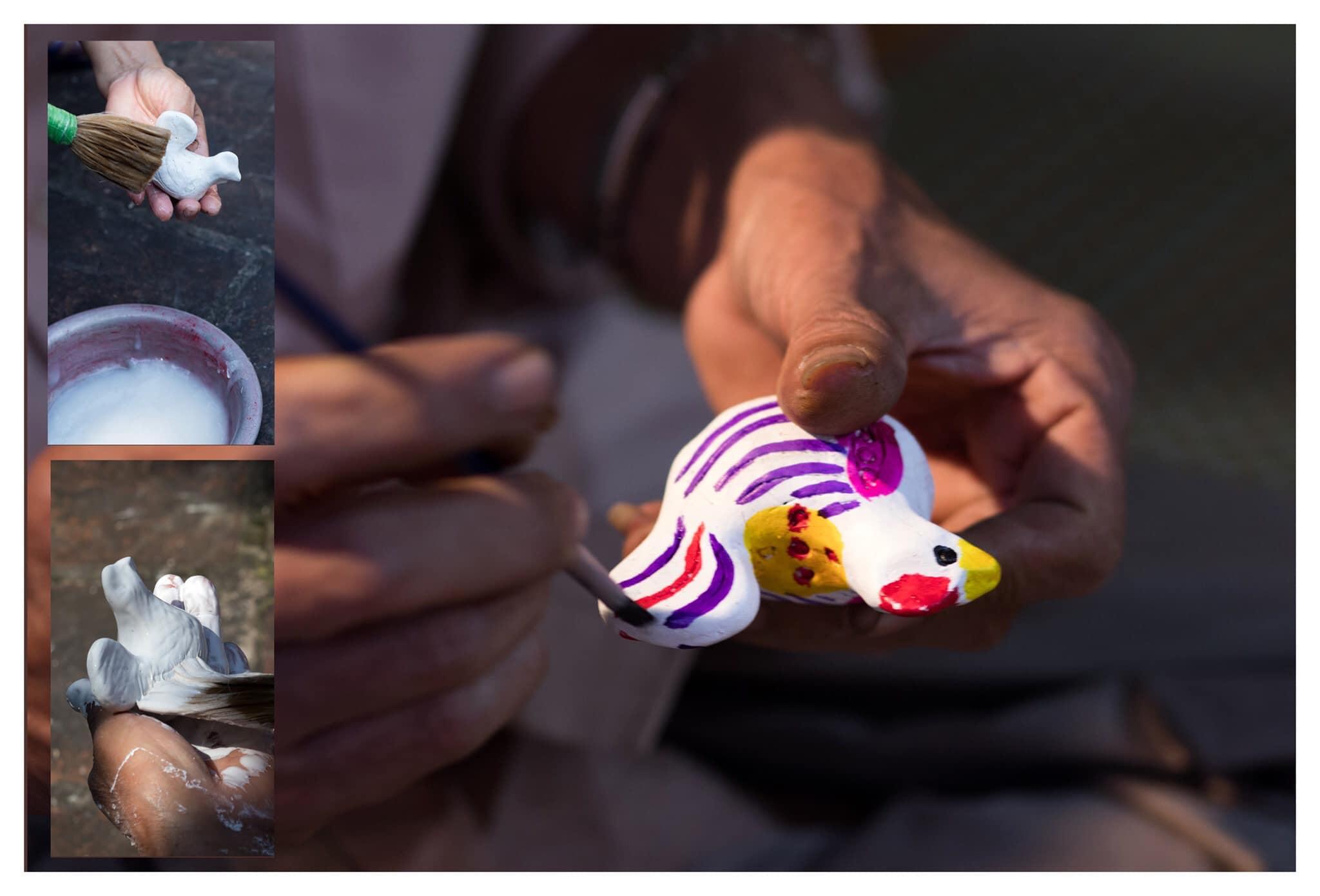 Trước khi vẽ màu, phỗng được quét một lớp hồ điệp để tạo nền trắng. Ảnh: Phỗng Đất làng Hồ.