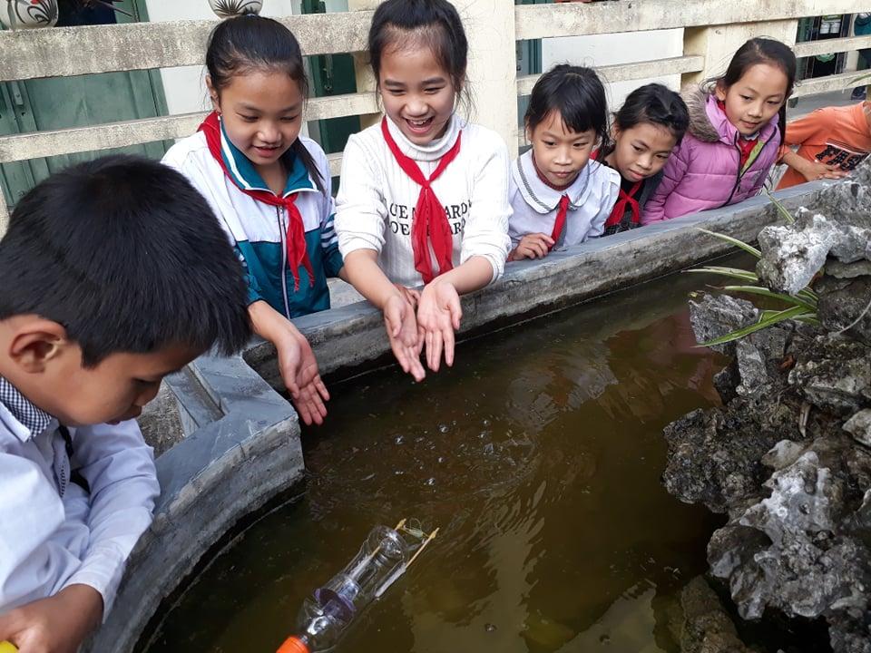Một giờ sinh hoạt ở CLB STEM thuộc Trường tiểu học Nam Cường, xã Gia Hòa, huyện Nam Trực, tỉnh Nam Định. Ảnh: pgdnamtruc.edu.vn