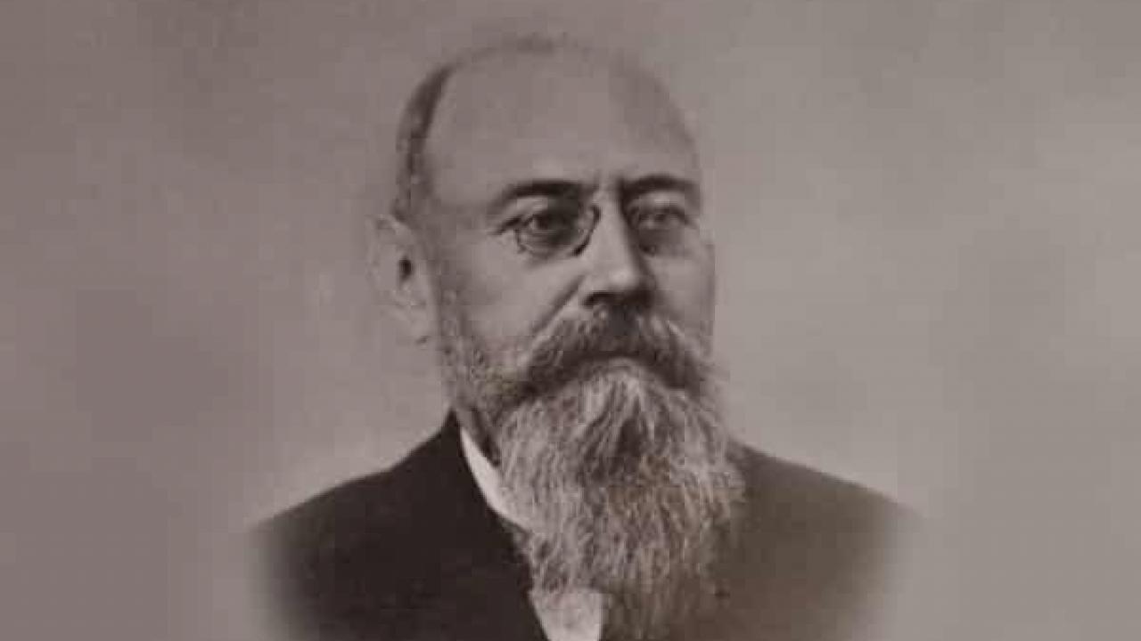 Gustave Dumoutier đến Bắc Kỳ năm 1886 và qua đời tại Đồ Sơn (Hải Phòng) năm 1904. Mộ phần của ông được xây cất ở nghĩa trang gần hồ Trúc Bạch, Hà Nội. Ảnh: INT