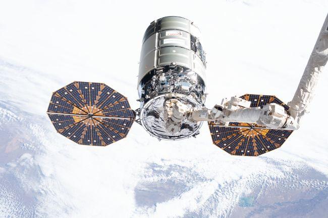 Tàu vũ trụ Cygnus NG-13. Ảnh: NASA.