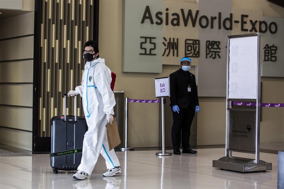 Hồng Kông áp dụng nhiều biện pháp chặt chẽ khác nhau để ngăn chặn Covid-19. Ảnh: AFP.