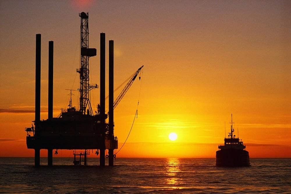 Khai thác dầu
