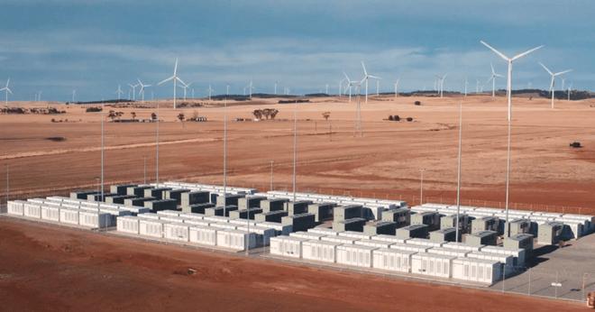 Nhà máy pin khổng lồ của Tesla tại Úc