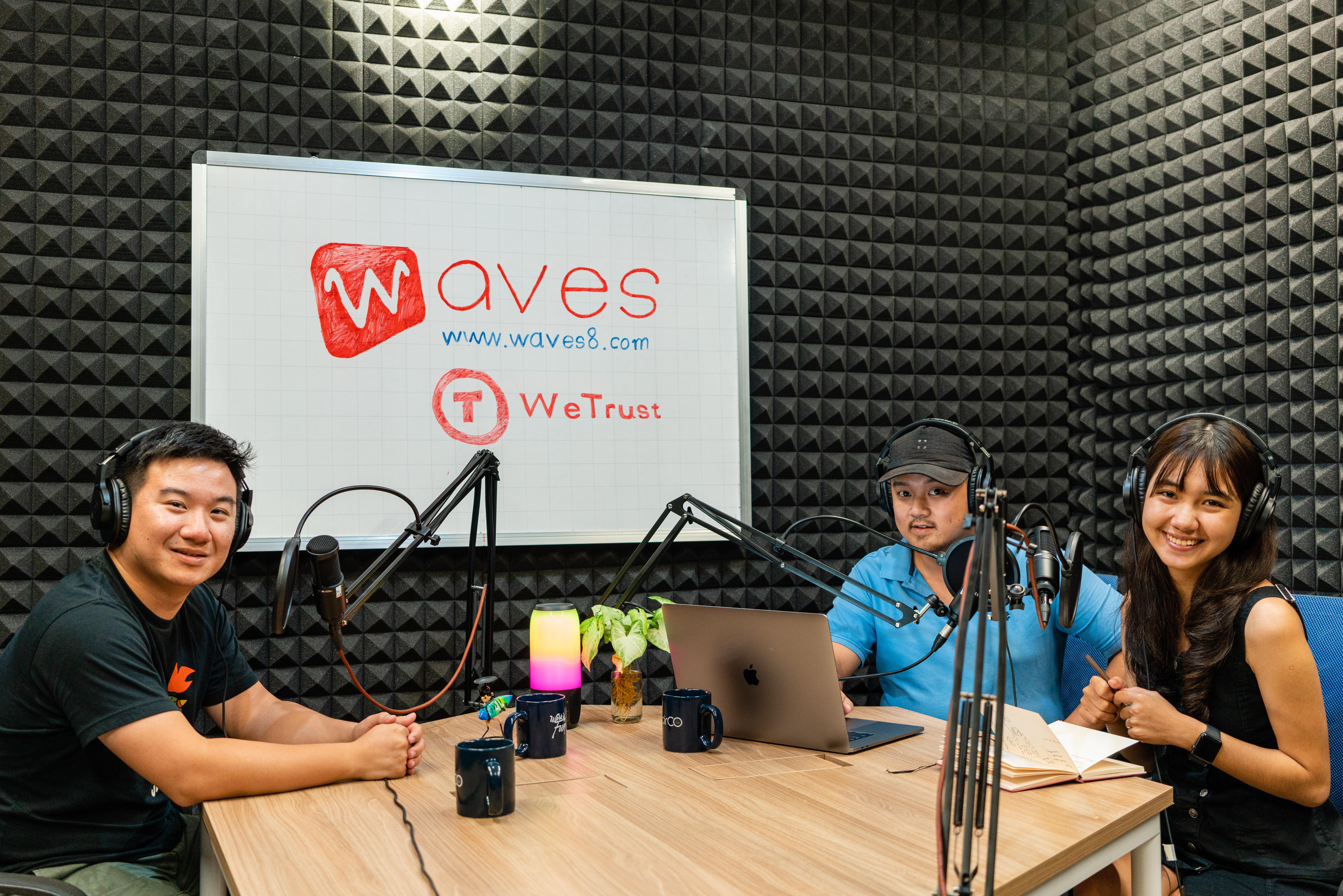 Một chương trình do Waves phối hợp sản xuất với các nhà sáng tạo nội dung.