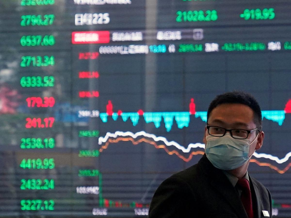 Bệnh dịch làm tổn thất kinh tế toàn cầu, chao đảo các sàn chứng khoán kể từ đầu năm. Nguồn: Getty