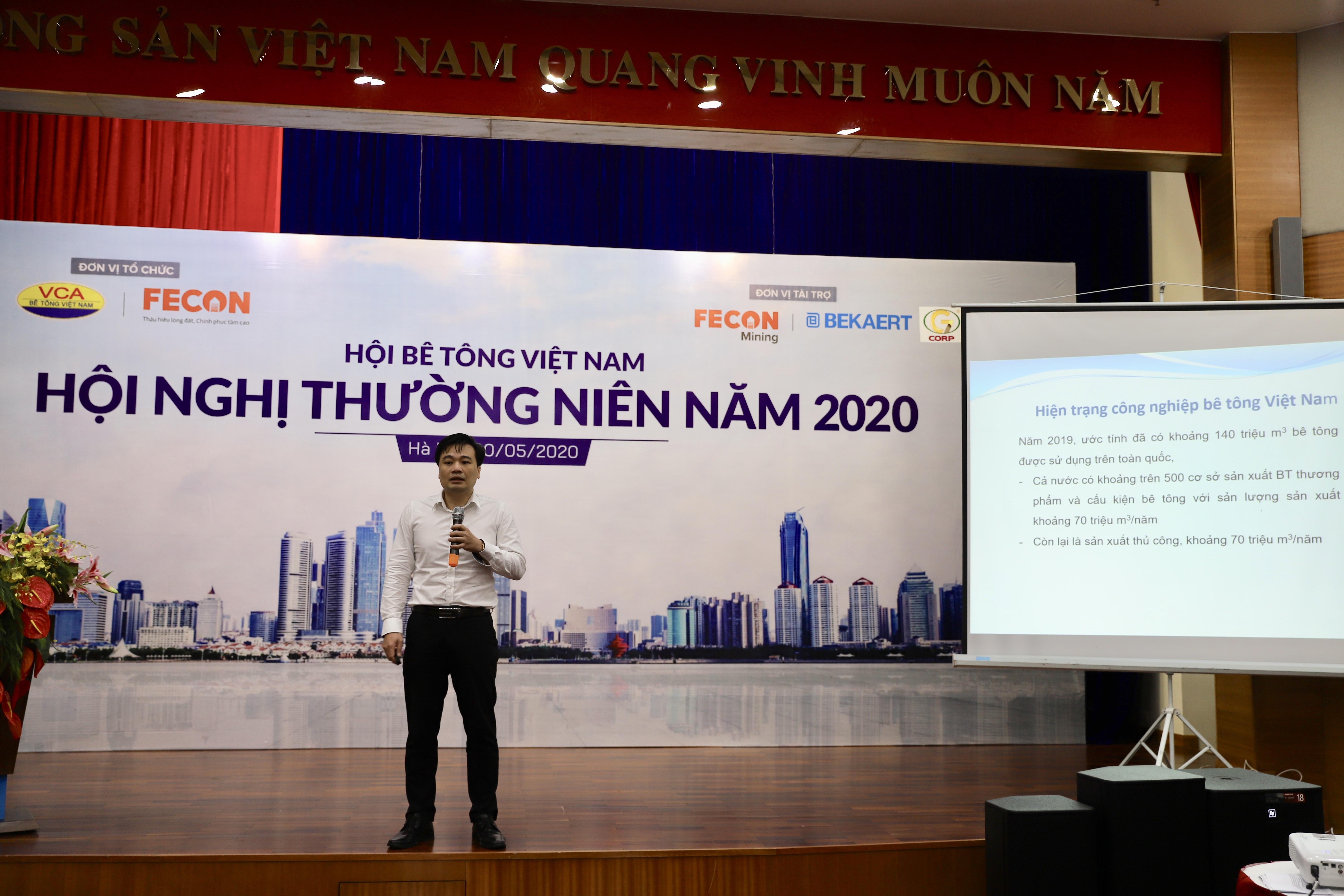 TS Hoàng Minh Đức - Viện Khoa học công nghệ xây dựng chia sẻ về các tiêu chuẩn quốc gia về bê tông và vật liệu xây dựng tại Việt Nam. Ảnh: BTC