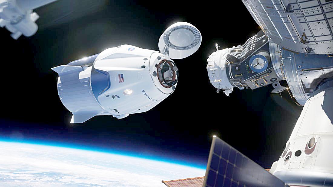 Khoảnh khắc Crew Dragon kết nối với ISS - Ảnh: NASA