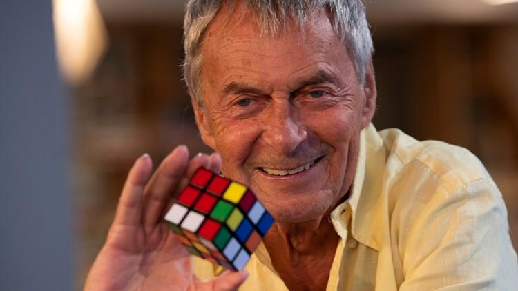 Erno Rubik, người sáng chế ra khối Rubik. Ảnh: USA Today.
