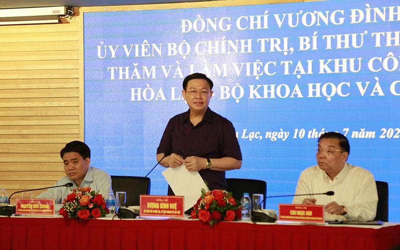 Bí thư Thành ủy Vương Đình Huệ phát biểu. Ảnh: BTC