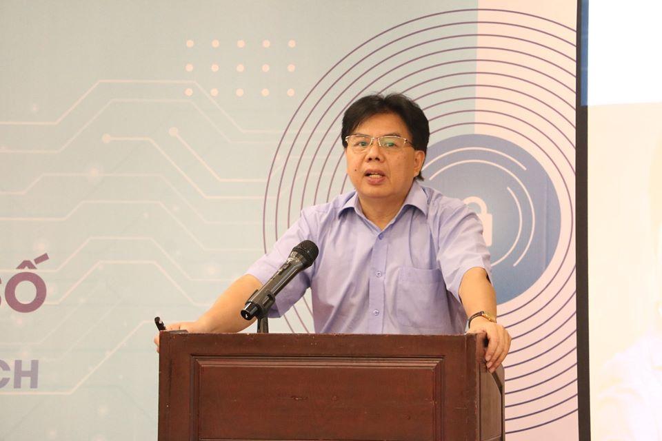 Luật sư Nguyễn Tiến Lập chia sẻ quan điểm về việc bảo vệ dữ liệu cá nhân. Ảnh: BTC