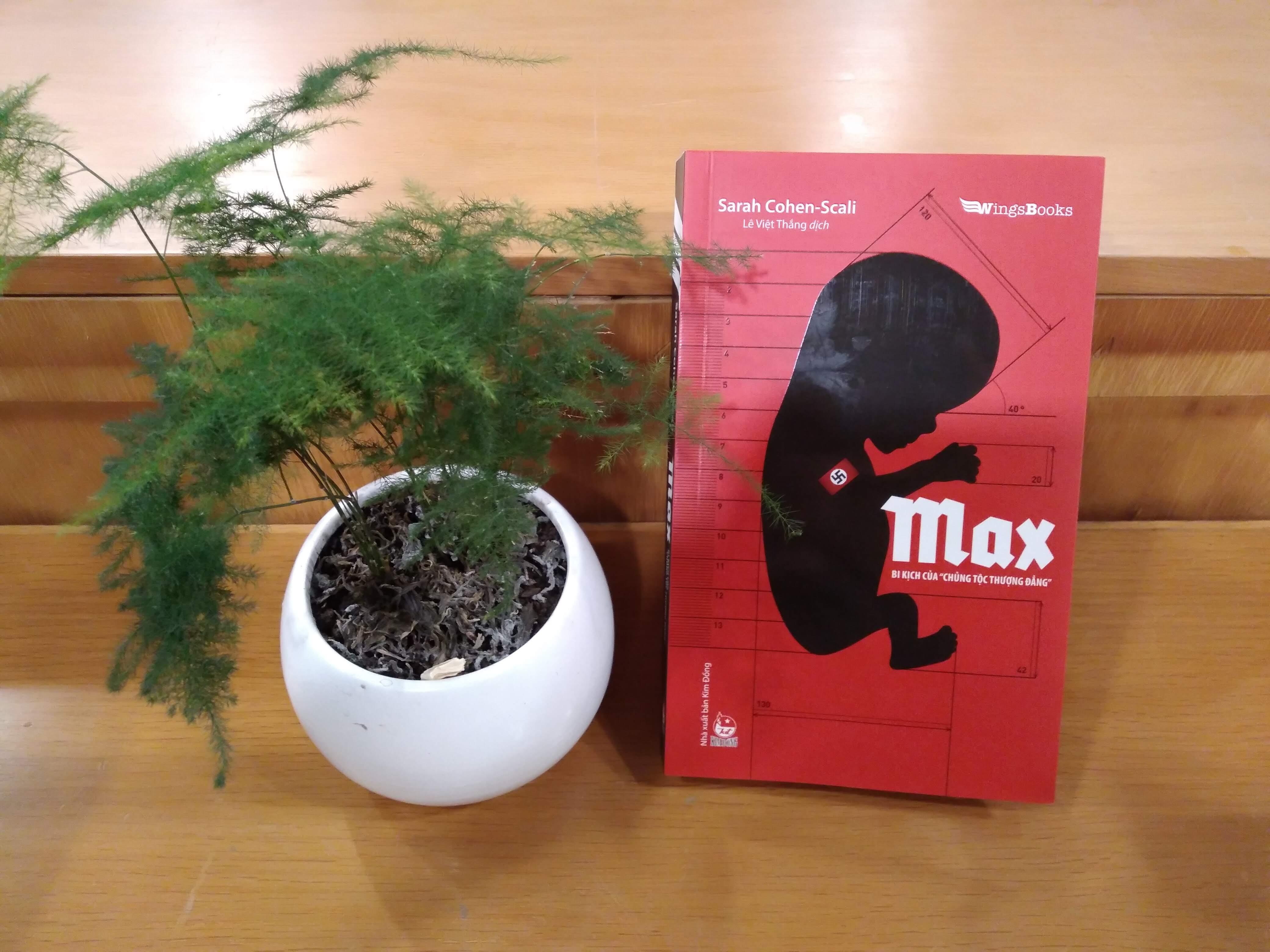 Cuốn sách Max - Bi kịch của chủng tộc thượng đẳng