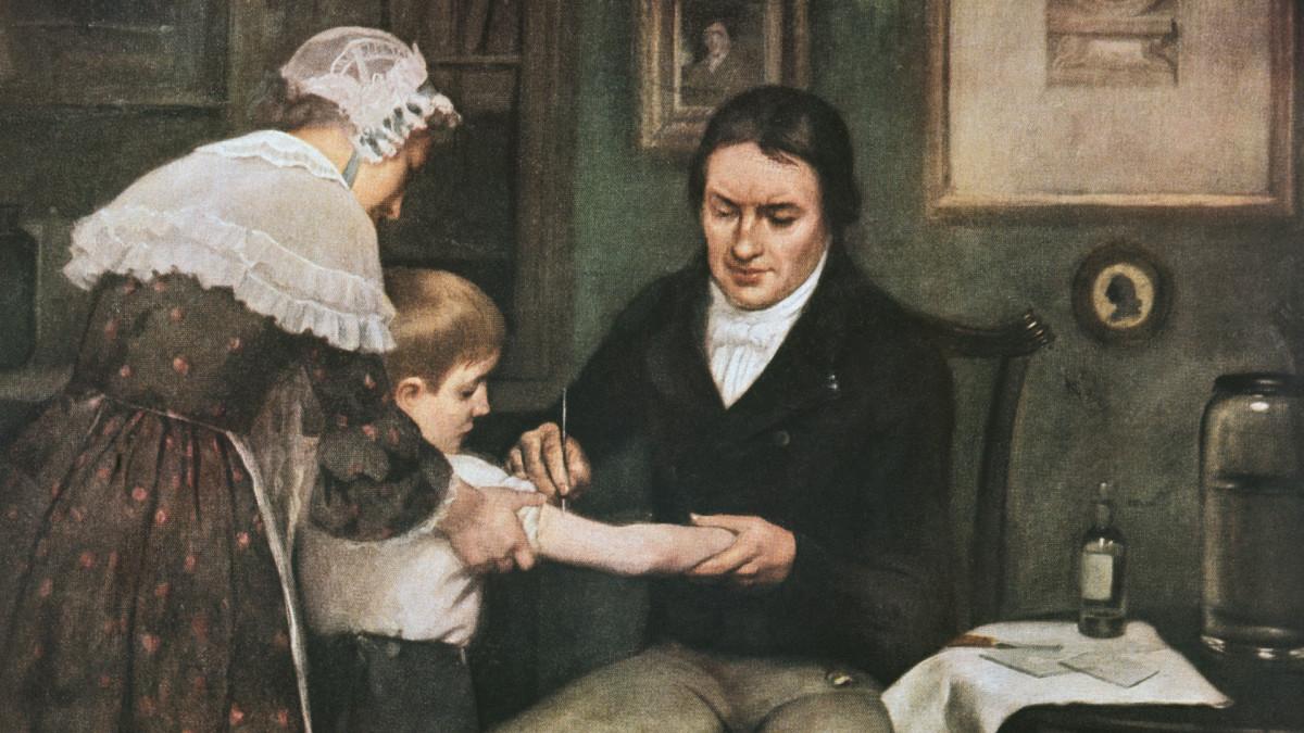 Bức tranh bác sĩ người Anh Edward Jenner tiêm vaccine đậu mùa lần đầu tiên vào năm 1796. Nguồn: DEA Picture Library/Getty Images/history.com.