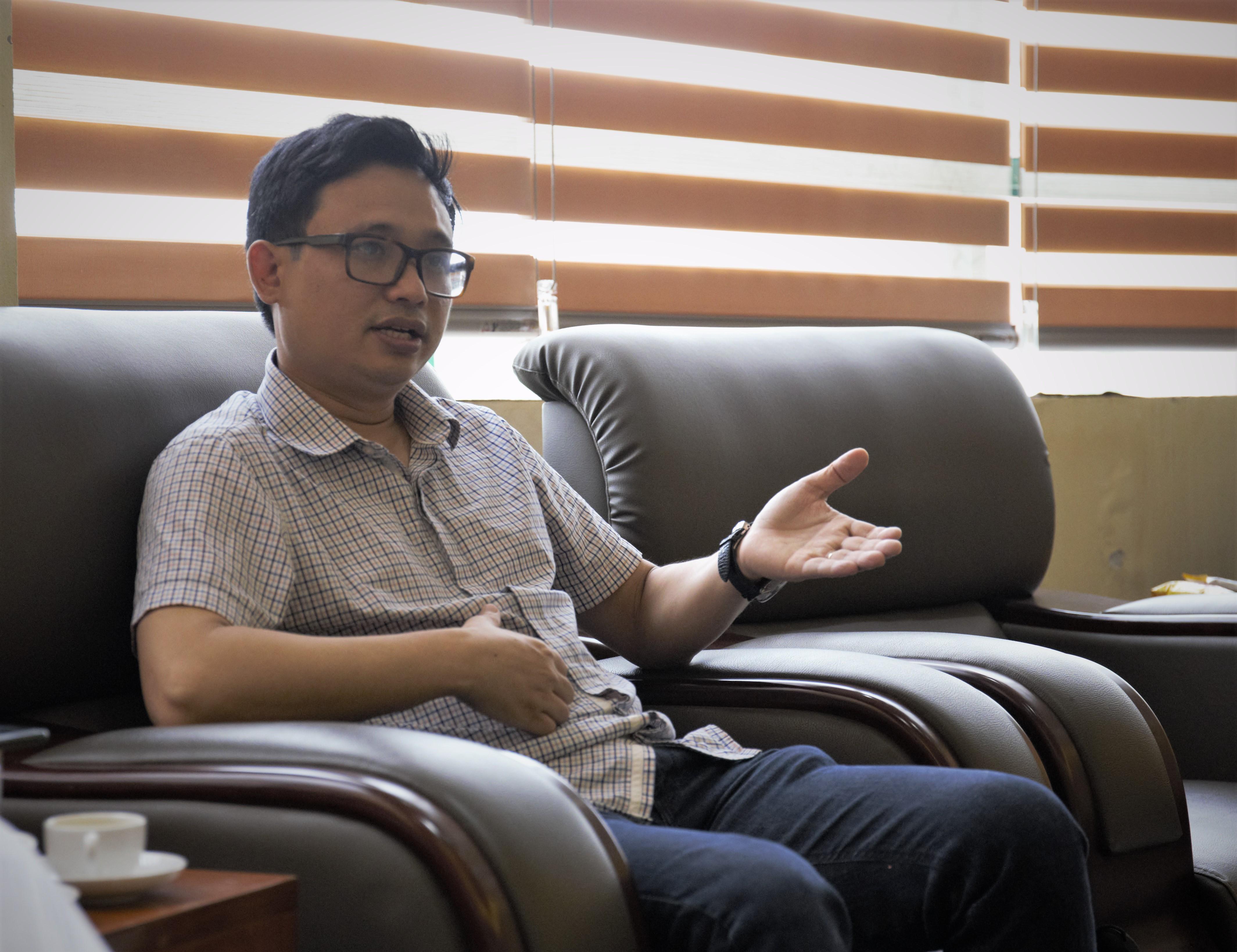 TS Nguyễn Phú Hùng.