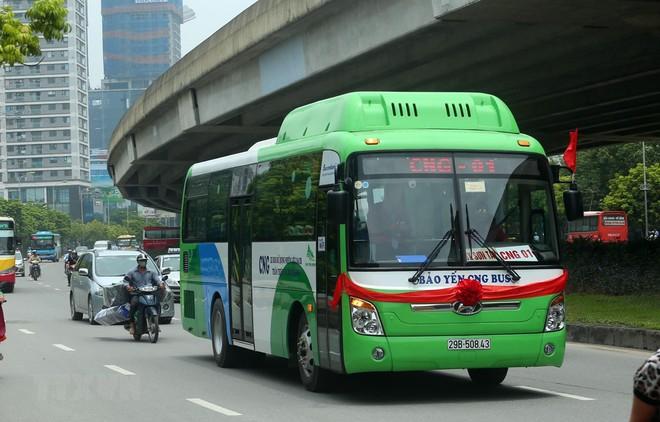 Từ tháng 8/2018, Hà Nội đã đưa vào vận hành một số tuyến xe bus sử dụng nhiên liệu sạch CNG