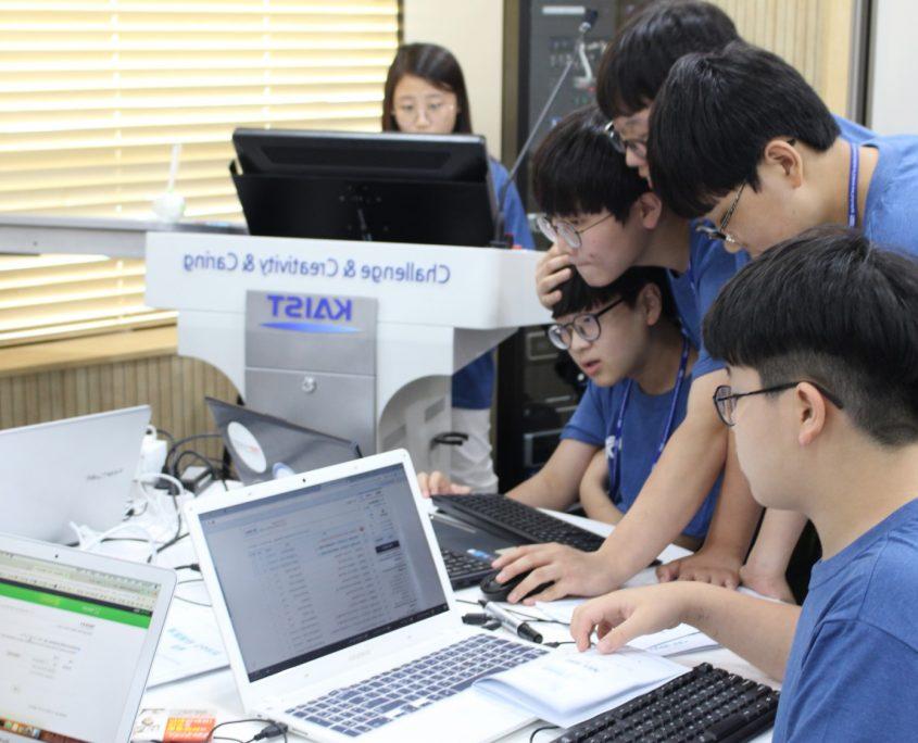 True Value là nhóm chiến thắng cuộc thi khởi nghiệp 2019 của Viện Khoa học và Công nghệ Tiên tiến Hàn Quốc (KAIST). Nhóm hướng đến xây dựng một mô hình SNS mới trong lĩnh vực giáo dục. Nguồn: Startup KAIST.