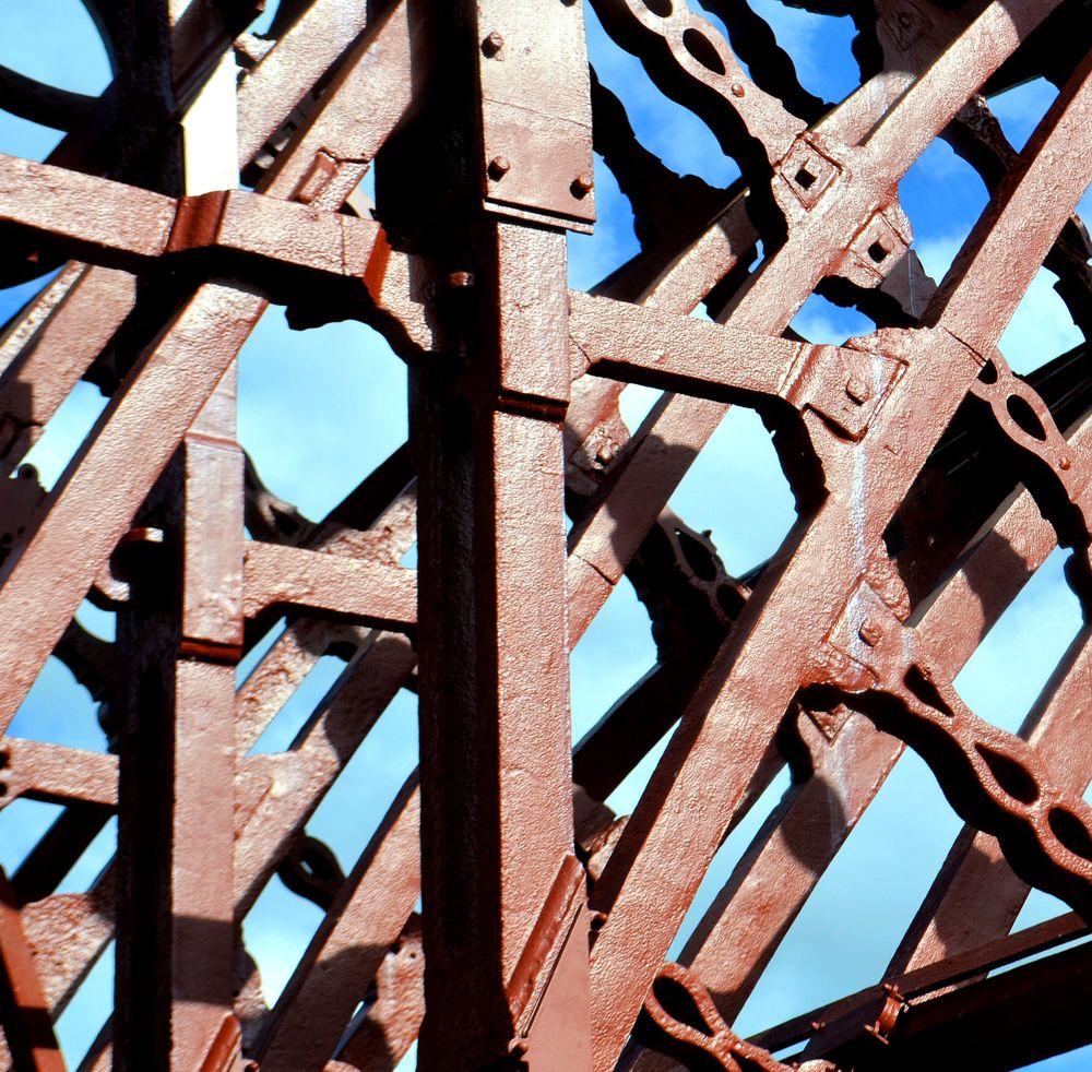 Những chi tiết kết cấu của cầu. Ảnh: Flickr.