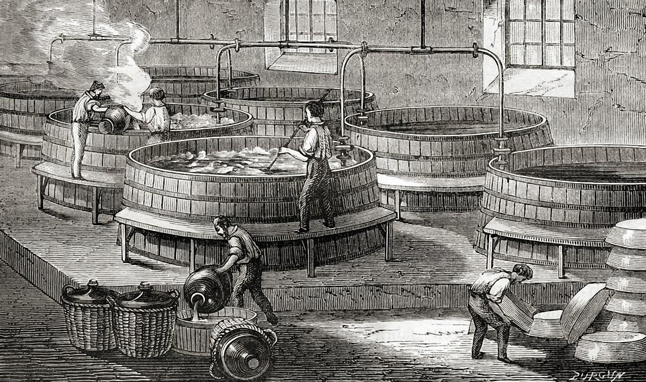 Công nhân trong một nhà máy sản xuất xà phòng ở Pháp vào năm 1870. Ảnh: History.