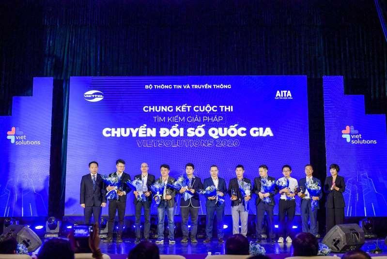 Các đội thi lọt vào vòng chung kết Viet Solutions 2020. Ảnh: Viettel